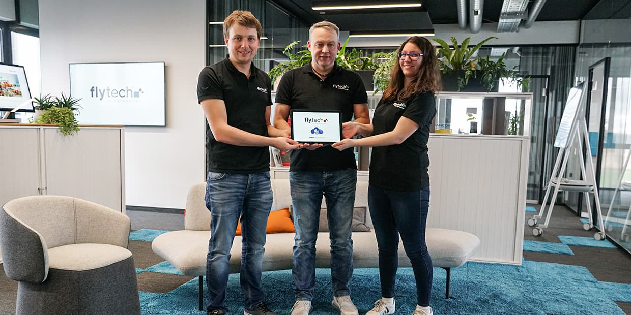 1 Jahr fly-tech Cloud GmbH