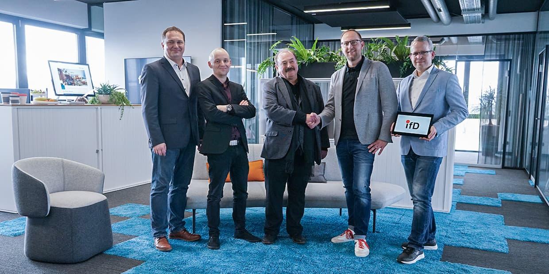 fly-tech übernimmt Kunden des Instituts für Datenschutz